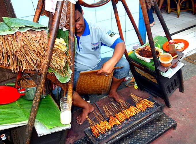 chicken satay vendor